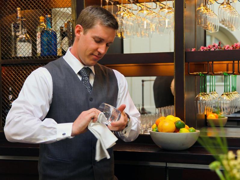 the_restaurant_server3